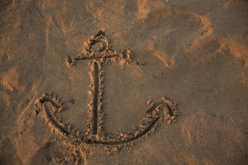 footprints-1282972_1920